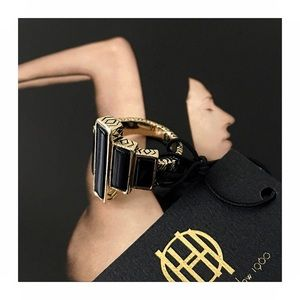 NWT House of Harlow ring